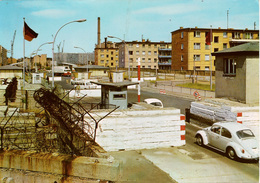 Cpm ALLEMAGNE Mur De BERLIN Check-Point /Poste Frontière R.D.A - R.F.A Heinrich-Heine-Strasse , Coccinelle VW - Berlin Wall