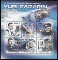 MOZAMBIQUE - Scott #2266 Yuri Gagarin Sheet Of 6 (ss388) - Mozambique