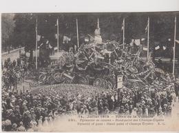Paris 14 Juillet 1919 Fetes De La Victoire Pyramide De Canons Rond Point Des Champs Elysées - War 1914-18