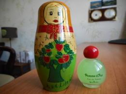 Yves Rocher Pomme D'Api Dans Poupée Russe - Miniatures Modernes (à Partir De 1961)