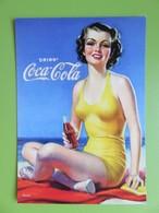 """Carte Postale Coca Cola - Pin Up En Maillot Jaune  """"Célébrez Les 125 Ans De Légende Coca Cola"""" - Advertising"""
