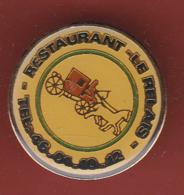 54042-Pin's. Restaurant Le Relais.carosse. - Transports