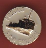 54061-Pin's.marine.militaire.armée.TCD Foudre.Frejus.signé FIA Lyon. - Militari