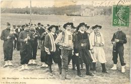 CPA 1913 - Bretagne - Bardes Bretons Joueurs De Biniou - N° 148 - Edit. St Quay - Musique