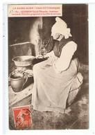CPA-50-1910-GOUBERVILLE-INTERIEUR NORMAND-FERMIERE PREPARANT LA BOUILLIE DE SARRAZIN- - Autres Communes