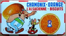 TTBE Boîte En Métal ASTERIX ET OBELIX Années 1960 > Chamonix Orange - L'Alsacienne Biscuits - Advertisement