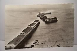 MILITARIA  - ARROMANCHES   -Port  Winston   -Caisson Du Port Artificiel - Arromanches