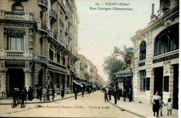 N°65042 -cpa Vichy -crédit Lyonnais- Rue Georges Clémenceau- - Banques