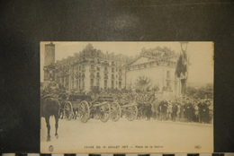 CP, Militaria, Revue Du 14 Juillet 1917 Place De La Nation Défilé Regiment Revue Materiel  ELD - Oorlog 1914-18
