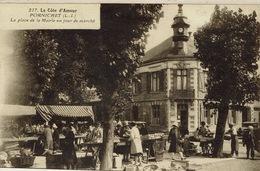 Pornichet (65), La Place De La Mairie Un Jour De Marché, Belle Carte Animée - Pornichet