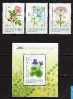 Slovenia - 2002 Flora - Medicinal Plants.S/S And Stamps. MNH** - Slovénie