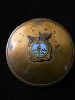 Ancien Poudrier Portant Insigne De La Royal Air Force Escaping Society - Solvitur Ambulando - Sauvé En Marchant - Armée De L'air