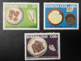 BURKINA FASO 2009 YT 1358/60 METS TRADITIONNELS TRADITIONAL FOOD CROPS ALIMENTATION RARE MNH - Burkina Faso (1984-...)