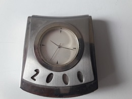 RARE :  MONTRE DE BUREAU LEVIS 2000 ( COLLECTOR ) - Montres Publicitaires