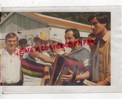 87-19-23-CYCLISME- TOUR DU LIMOUSIN 1981- BOL D'OR MONEDIERES- ALAIN SEGUREL- BERNARD HINAULT-GIL MAZEAUD-CLAUDE LOUIS- - Ciclismo