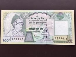 NEPAL P49 100 RUPEES 2002 UNC - Nepal