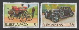 PAIRE NEUVE DU BURKINA FASO - AUTOMOBILES ANCIENNES : BENZ VICTORIA ET PEUGEOT 174 N° Y&T 645/646 - Voitures