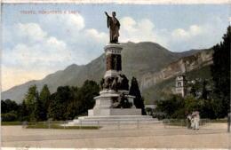 Trento - Monumento A Dante (9) - Trento