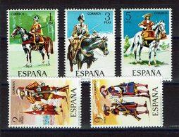 SERIE 5 TIMBRES ESPAGNE 1974 MNH - UNIFORMES MILITAIRES - CHEVAUX - Militares