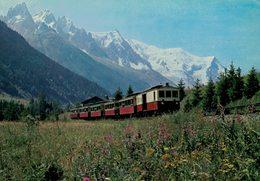 CARTE POSTALE Le Petit Train Et Le Mont Blanc - Chamonix-Mont-Blanc
