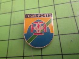 413h Pin's Pins / Beau Et Rare : Thème  ASSOCIATIONS / SCOUT SCOUTISME TROIS-PONTS Le Petit Le Grand Et Le Pidou ? - Associations