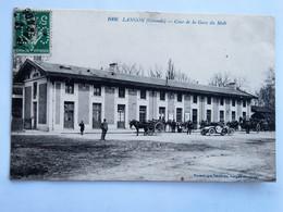 C.P.A. 33 LANGON : Cour De La Gare Du Midi, Attelages, Animé, Timbre Perforé En 1912 - Langon