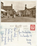 Nevin Nefin Caernarvonshire The Square With Car Pub & People B/w Pcard Pwllheli 3aug1957 To Italy With QE2 D.2.5 Solo - United Kingdom