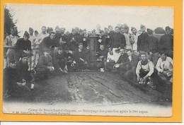 BRASSCHAAT:  CAMP VAN BRASSCHAET-SOLDATEN -MILITARE-MET VOLK - Brasschaat