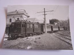 LIGNE NIMES ARLES TRAIN EN GARE DE NIMES CAMARGUE  1948 PHOTO VERITABLE J.CHAPUIS - Stations With Trains