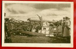 THE WRECK OF THE GERMAN BOMBER VINTAGE POSTCARD 4585 - 1914-1918: 1st War
