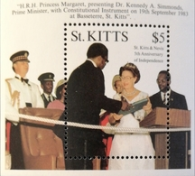 St Kitts And Nevis  1988 5th. Anniv. Of  Independence S/S - St.Kitts And Nevis ( 1983-...)