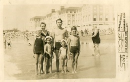 GROUP GRUPO FAMILY KIDS OLD SWIMSUITS MAILLOT BEACH PLAYA MAR DEL PLATA ARGENTINA PHOTO FOTO YEAR 1944 SIZE 9X14 LILHU - Personas Anónimos