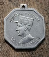 """WW2 - Très Rare Médaille De La Résistance """"Général De Gaulle Le Libérateur"""" Frappé à Londres Pendant L'Occupation - WWII - Royal / Of Nobility"""
