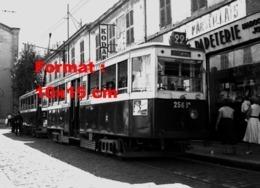 Reproduction D'une Photographie D'un Tramway Ligne 22 Le Redon à Marseille En 1958 - Reproductions