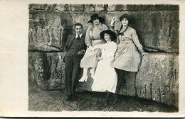 GROUP GRUPO FAMILY FAMILIA MAN WOMEN OLD FASHION MODA CUIDAD CITY MAR DEL PLATA ARGENTINA POSTAL YEAR 1914- LILHU - Argentinië