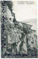 """- St-FLORENT Le VIEIL - La Coiffe Dite """" Aile De Pigeon """", Femmes, épaissse, Non écrite, édit Veillet, TTBE, Scans. - Autres Communes"""