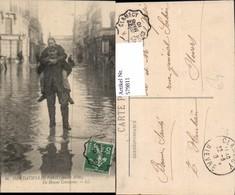 579811,Inondations De Paris 1910 Un Hemme Courageux Überschwemmung Katastrophe - Überschwemmungen