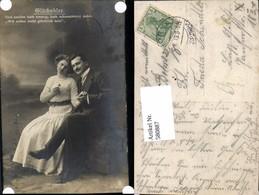 580887,Paar Liebe Händchenhalten Glücksklee Text Klee Kleeblatt - Paare