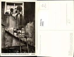 580961,Foto Ak Kammerfensterln Dornen Der Eifersucht A. D. Liebesleiter Brauchtum Bra - Ansichtskarten