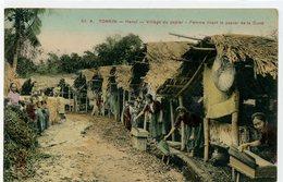 VIET NAM - TONKIN - Hanoï - Village Du Papier - Femme Tirant Le Papier De La Cuve - Viêt-Nam