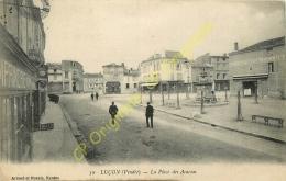 85. LUCON . La Place Des Acacias . - Lucon