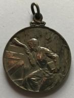 Médaille. Militaria. La Cantine Du Soldat Prisonnier. 1914-1915. G. Devreese. 28 Mm - Belgique