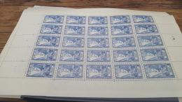 LOT 416968 TIMBRE DE FRANCE NEUF** FEUILLE COMPLETE N°768 VALEUR 62,5 EUROS BLOC - Feuilles Complètes