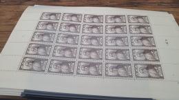 LOT 416969 TIMBRE DE FRANCE NEUF** FEUILLE COMPLETE N°769 VALEUR 56 EUROS BLOC - Feuilles Complètes