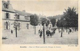 Romilly-sur-Seine (Aube) - Cour De L'Ecole Maternelle (Groupe Du Centre) - Carte B.F. Paris Dos Simple, Non Circulée - Schools