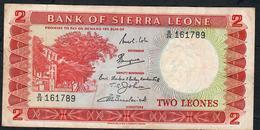 SIERRA LEONE P2b 2 LEONES  1967 Signature 2     # B/26  VF NO P.h. ! - Sierra Leona