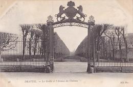 DRAVEIL - La Grille Et L'Avenue Du Château - Draveil