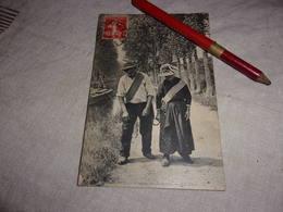 36  18  LE BERRY  COUPLE DE HALEURS ND PHOTO VOYAGEE ECRITE 1911 CANAL DU BERRY VERS ST AMAND - France