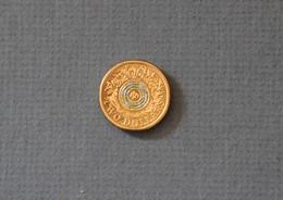 Australia 2017 $2 REMEMBRANCE Coin QEII Excellent Condition Blue Centre - Decimal Coinage (1966-...)