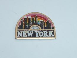 Pin's VILLE DE NEW YORK  01 - Villes